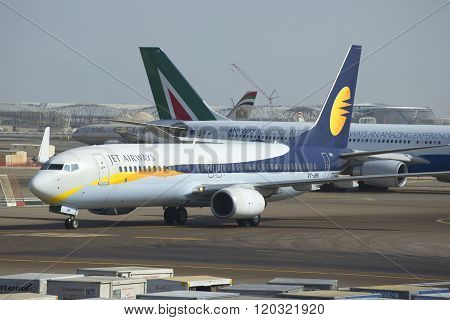 Boeing 737 Next Gen (VT-JBK) Jet Airways taxiing out. The Airport Of Abu Dhabi
