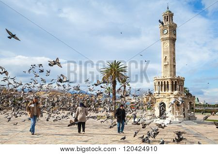Konak Square, Walking Ordinary People And Doves