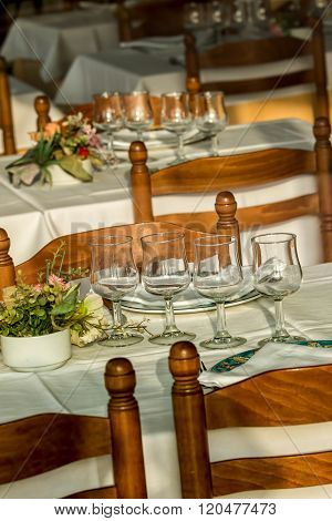 Ready tables in the restaurant for the guests