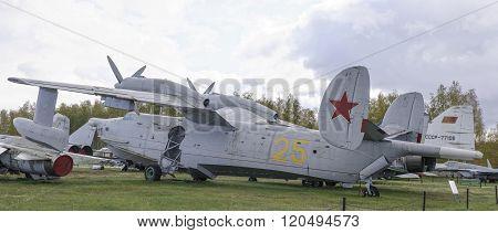 Be-12 - Anti-submarine Amphibian (1960) .max.speed, Km / H-550