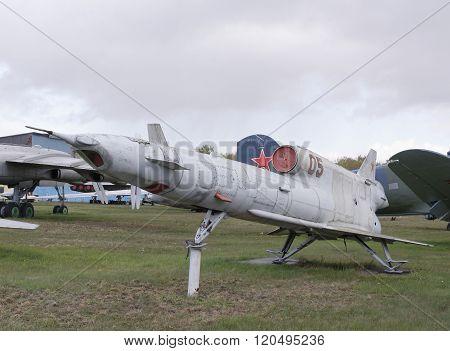 Tu-141