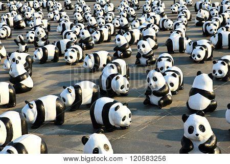 Bangkok,thailand - March 4, 2016 : 1600 Pandas+ Th, Paper Mache Pandas To Represent 1,600 Pandas And