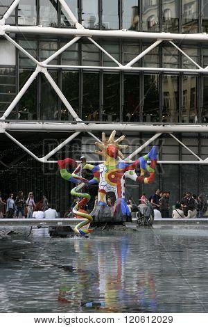 Sculpture at Pompidou Center