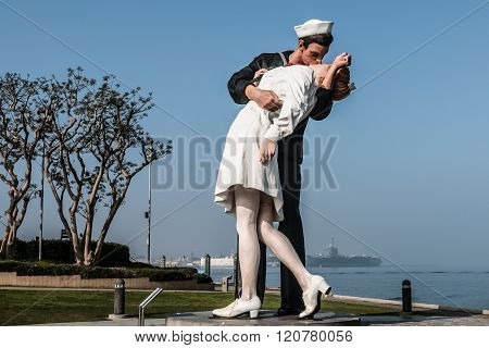 Unconditional Surrender Sculpture of Alfred Eisenstaedt Photograph