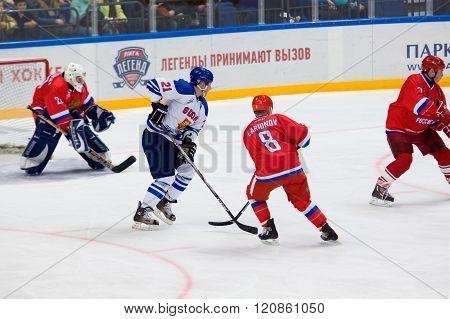 I. Larionov (8) And K. Nurmanen (21)