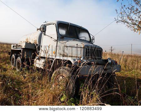 Praga V3S cistern truck
