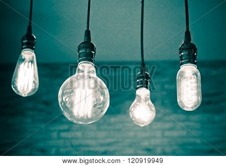 Difference form of light bulbs hung from the ceiling