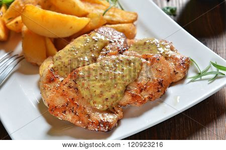Turkey breasts with honey-mustard sauce