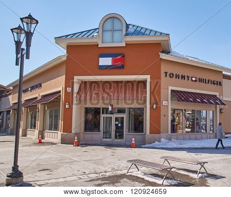 Tommy Hilfiger Outlet.