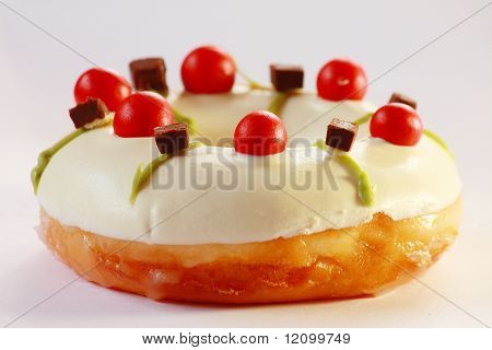 WHite doughnut with topping