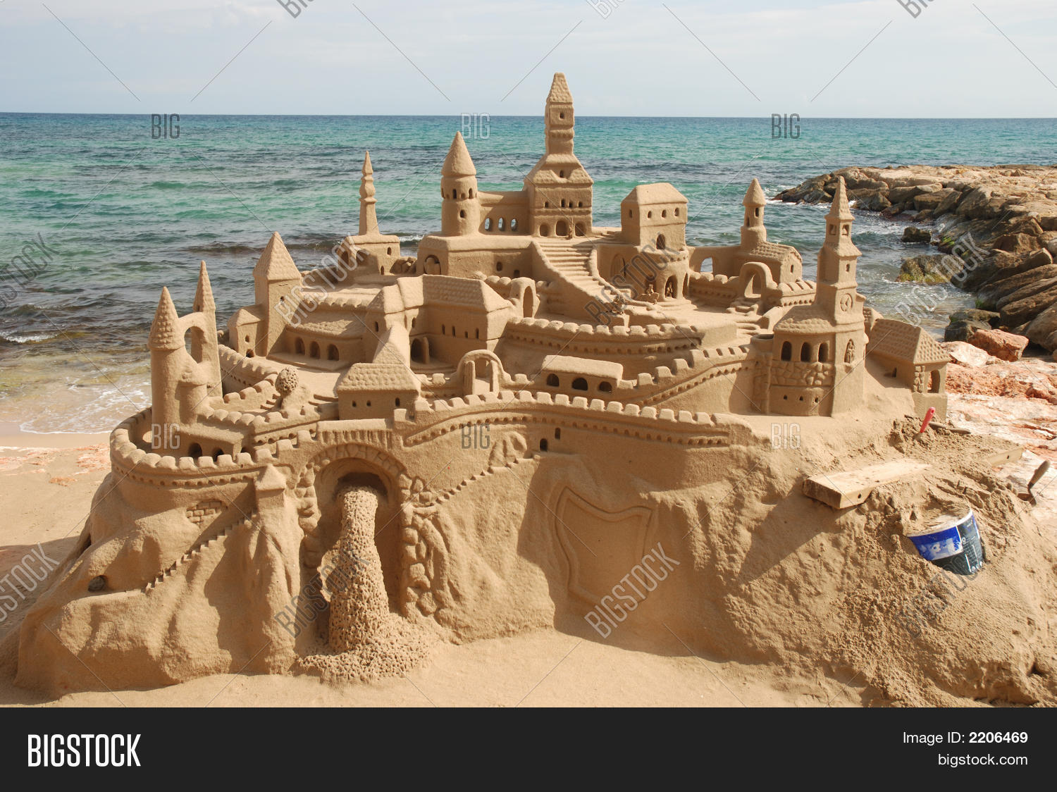 Sandcastle On The Beach Sand Castle Images Ilrations Vectors Free Stock
