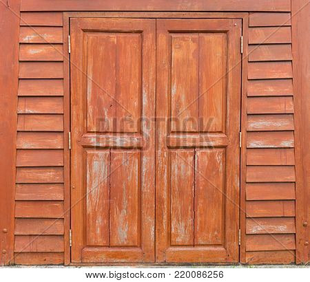 wooden door of a brown and lacquer