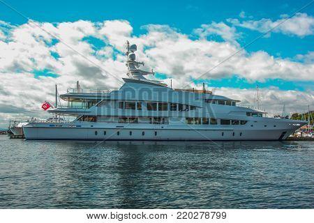 Mega yacht tied up at Seattle's Elliott bay Marina