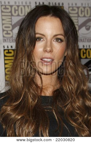 SAN DIEGO - JUL 22:  Kate Beckinsale at the 2011 Comic-Con Convention - Day 2 at San Diego Convention Center on July 22, 2010 in San DIego, CA