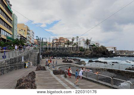 Puerto De La Cruz, Tenerife Background