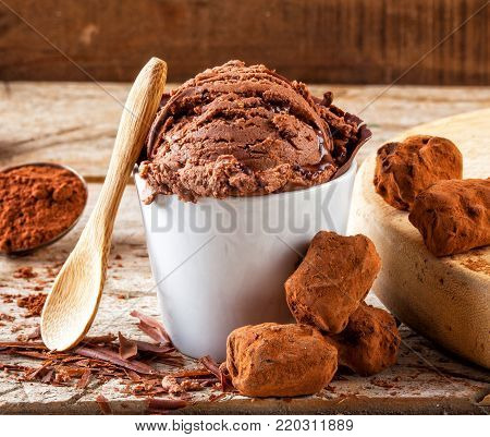 Artisan chocolate ice cream with cocoa, scrapings and truffles.