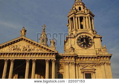 St. Pauls cathedral, London UK