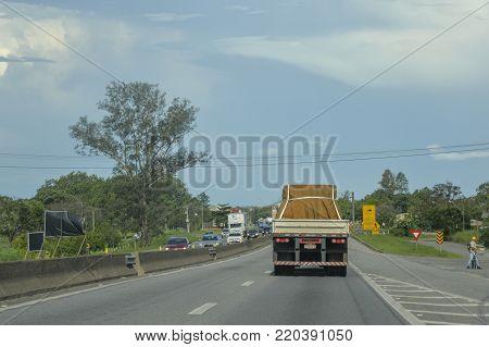 Rodovia Presidente Dutra