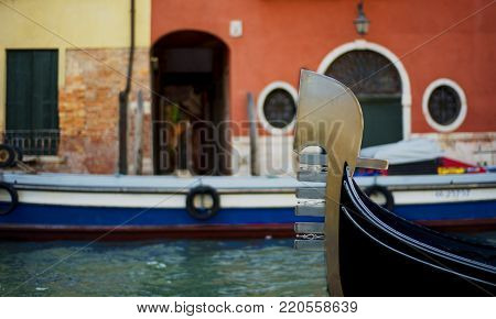 the photos of a foreshortening of Venice.