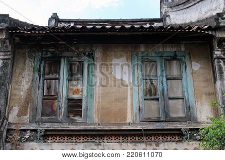 Old House Around The Chinese