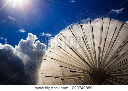 dandelion fountain in houston texas during a bright day.