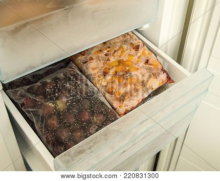 Freezer To Store Food, Take Frozen Food From The Freezer