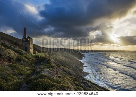 Cornish Mine engine house, Towanroath shaft at sunset , Wheal Coates, St Agnes, North Cornwall, UK