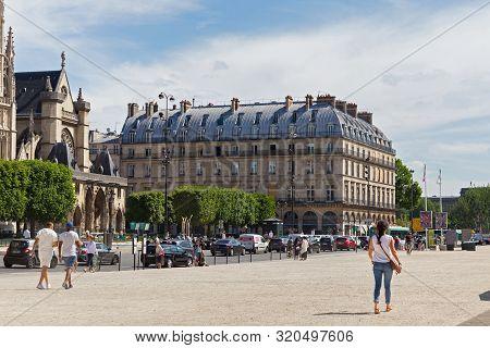 Paris, France - June 23, 2017: Old Historical Buildings In Central Part Of Paris On The Rue De L Ami
