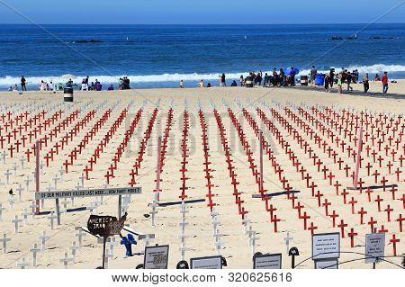 Santa Monica, United States - April 6, 2014: Us Military Memorial Happening In Santa Monica, Califor