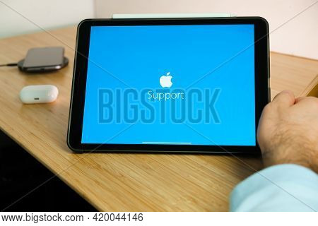 Apple Support Logo On The Screen Of Ipad Tablet. March 2021, San Francisco, Usa