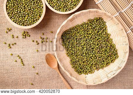 Mung Bean Seeds In A Bamboo Basket With Spoon, Food Ingredients In Asian Cuisine And Produce Mung Be