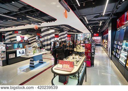 KUALA LUMPUR, MALAYSIA - JANUARY 18, 2020: interior shot of Sephora store on grand opening day at Fahrenheit 88 shopping mall in Kuala Lumpur.