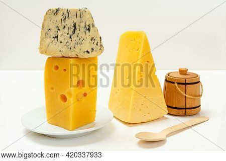 Breaks Of Fourme D'ambert, A Semi-hard French Blue Cheese, Poland Cheese Hit Fitness And Holland Che