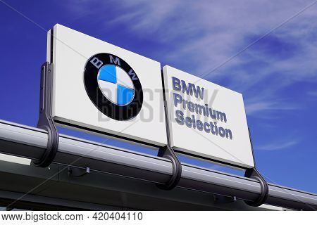 Bordeaux , Aquitaine France - 05 08 2021 : Bmw Premium Selection Text Logo And Brand Sign Of Dealers