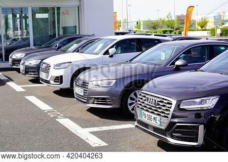 Bordeaux , Aquitaine France - 05 08 2021 : Audi Cars Parked Second Hand Car Brand Sign Shop Dealersh