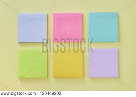 Top View Or Flat Lay 6 Color Stick Note Or Note Pad As Blue,pink,turquoise,green,yellow,purple On Of