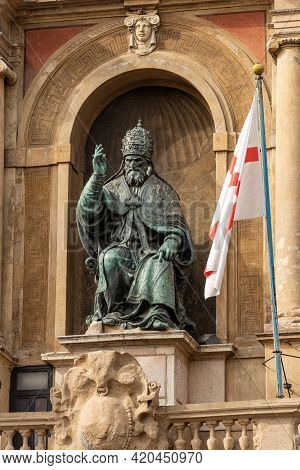 Bronze Statue Of Pope Gregorio Xiii (gregory) By The Artist Alessandro Menganti (1525-1594). Bologna