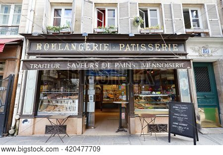 Paris, France-may 13 , 2021 : The Traditional French Bakery And Cake Shop Located In Marais District