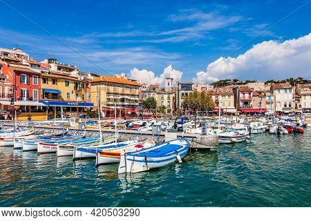 Cassis, France - September 11, 2016: Sunny Day At The Harbor Of Cassis In Southern France On Septemb