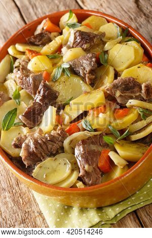 Baeckeoffe Is A Casserole Dish A Mix Of Sliced Potatoes, Sliced Onions, Cubed Mutton, Beef, And Pork