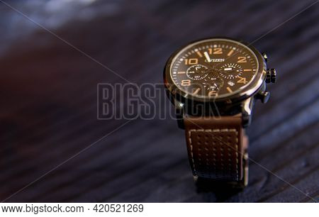 Citizen Wrist Watch With Beautiful Leather Strap