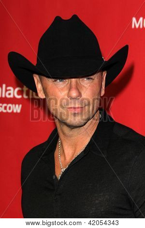 LOS ANGELES - FEB 8:  Kenny Chesney arrives at the 2013 MusiCares Person Of The Year Gala Honoring Bruce Springsteen  at the Los Angeles Convention Center on February 8, 2013 in Los Angeles, CA