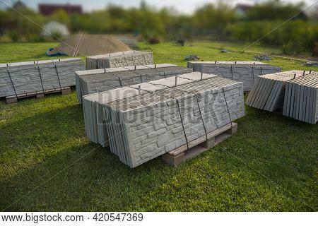 Build Prefabricated Or A Precast Concrete Fence