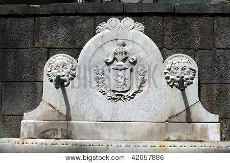 Castelnuovo di Garfagnana - Fountain in Piazza Umberto