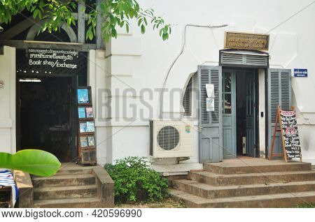 Retro Vintage Retro Classic Antique Building Design Of Lao Library And Book Shop For Laotian People