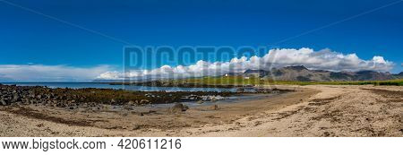 Iceland's seaside and mountain landscape