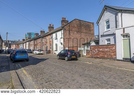 Sheffield, South Yorkshire, England - April 19 2021: Rows Of Terraced Houses In Sheffield England