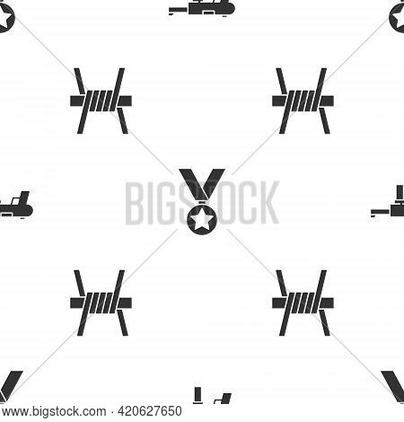 Set Submachine Gun M3, Military Reward Medal And Barbed Wire On Seamless Pattern. Vector