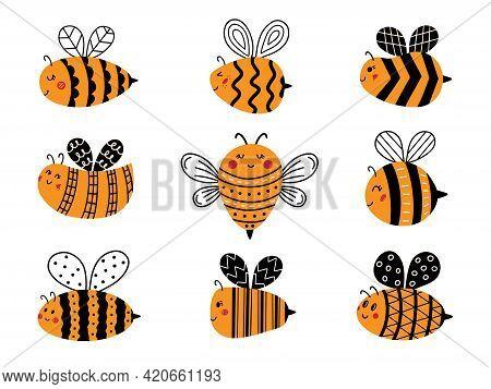 Flying Bee Doodle Cute Cartoon Bumblebee Set