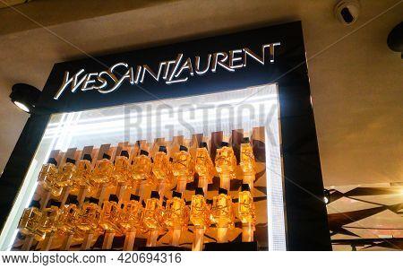 A Collection Of Perfumes For Women Libre Intense Yves Saint Laurent Eau De Parfum From Oriental Glas